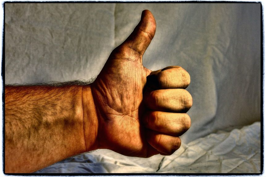 hand-with-thumb-up-861x574